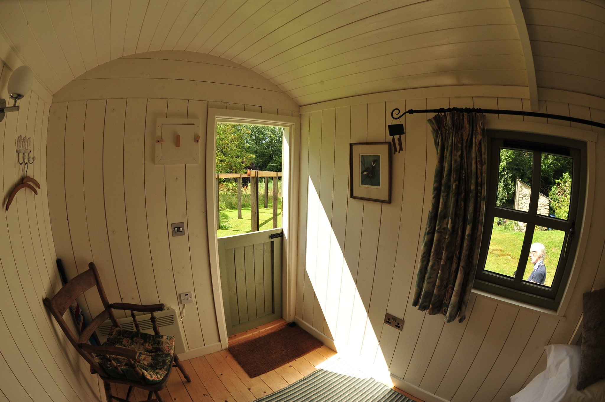 accommodation-family-escape-shepherds-hut-carlow
